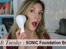 TT Clarisonic Foundation Brush Thumb